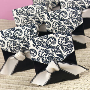 A tent favor box Damask black white  24ct