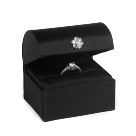 """ A Chest Ring Box Black """