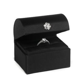 """ A Chest Ring Box Black """